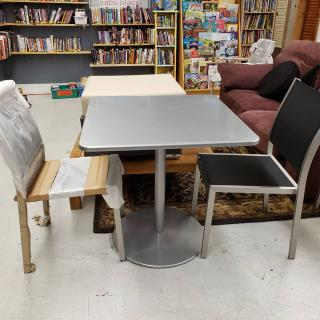 """Let's be honest... Fall in Charlotte is the REAL """"Patio Season"""", otherwise you melt!  New chairs and good condition table. Retail: $680 ZABS Price: $138. #ZABSstealz"""
